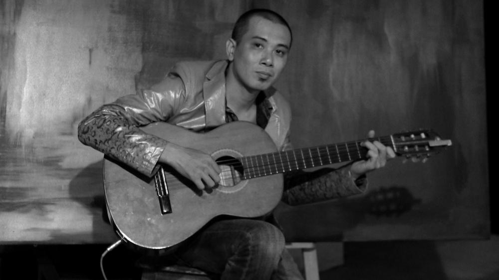 Guitarist Nguyen Minh Tuan